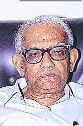 डॉ. अरुण घोष, अर्थतज्ञ