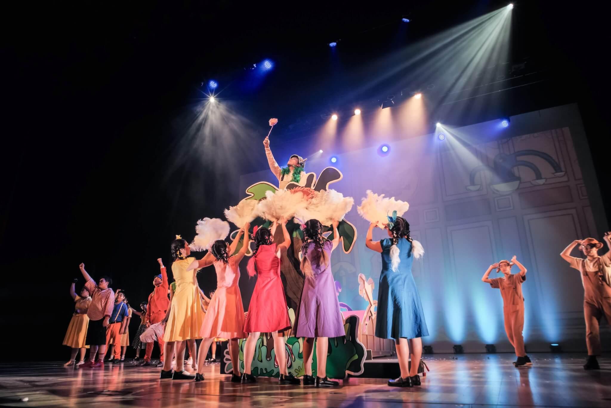 【戲劇教肓】在中學播種 帶笑的音樂劇嚴師 -藝文- 明周文化