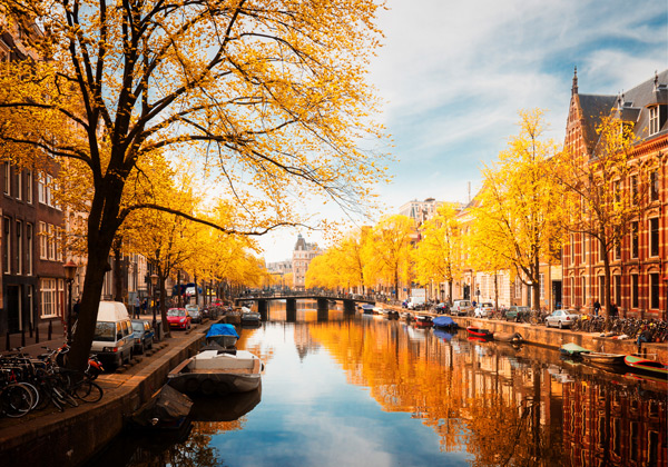 Central Park In Fall Wallpaper The Prettiest Canals In Amsterdam An Insider S Guide