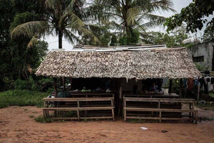 一位柬埔寨殘疾老師的故事