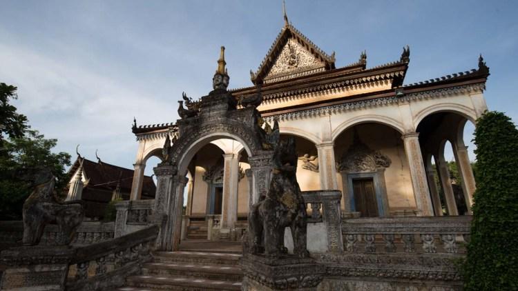 沃波寺 (Wat Bo Pagoda)