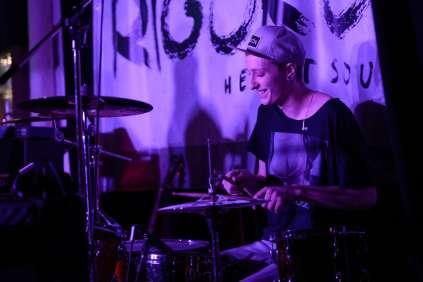 Mr. MoJoe live im Kuhstall Schwabbruck. Photo by Felix Baab