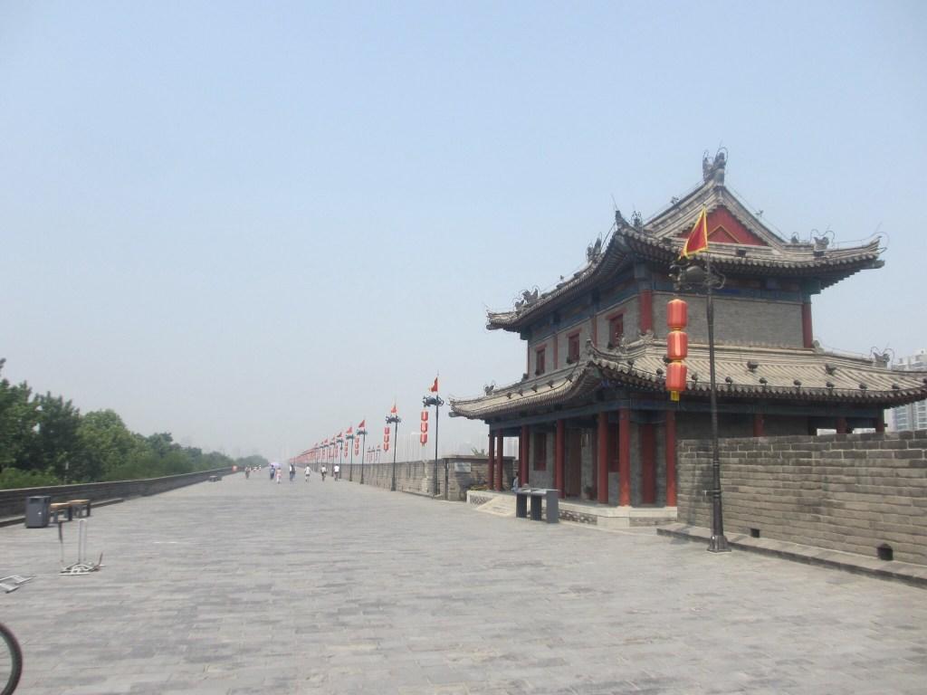 Walking Xi'an the walls