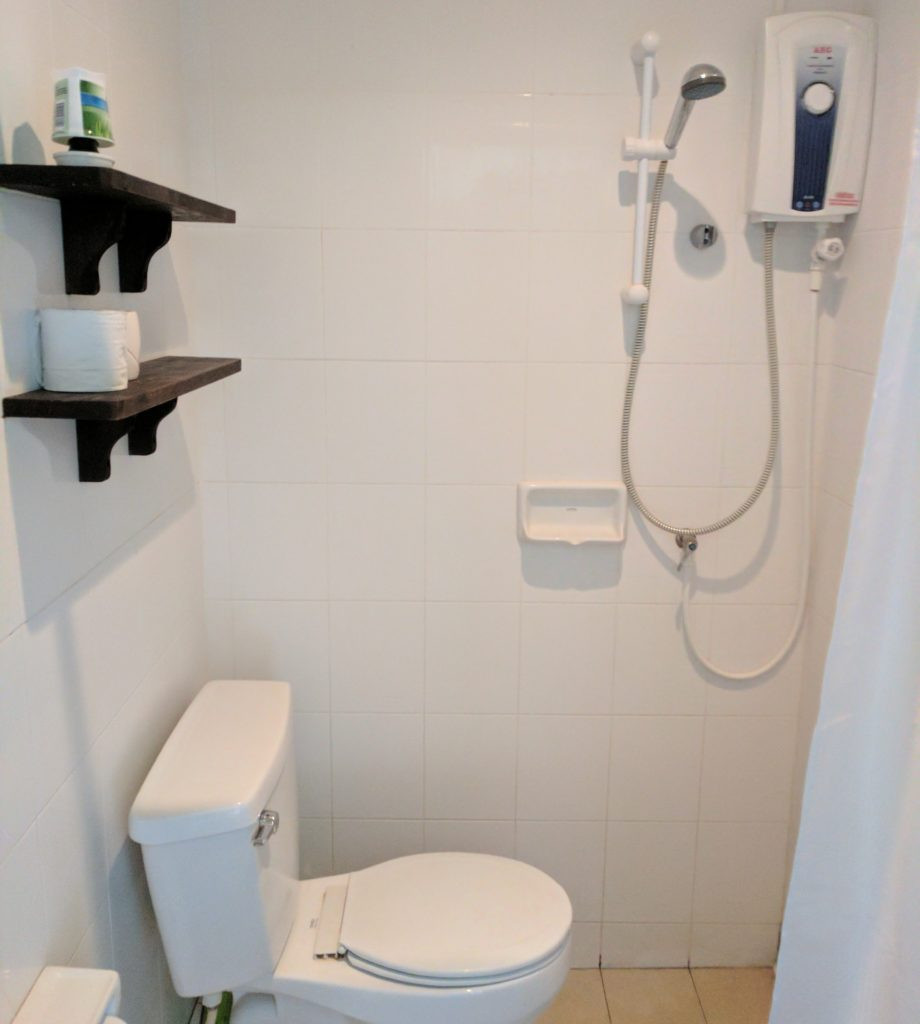 Green Room Bathroom, Cozy Guesthouse