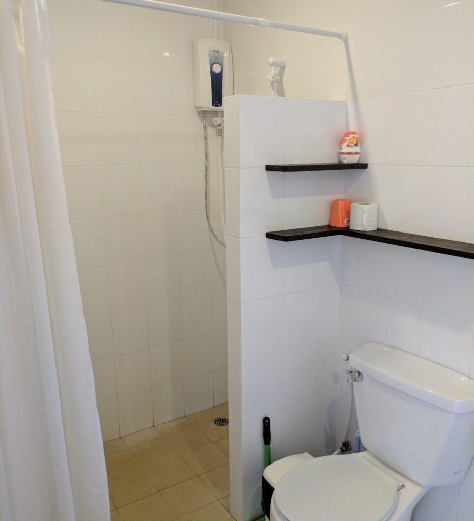 Orange Bathroom Cozy Guesthouse - identical to Blue Room bathroom