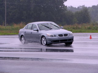 The 545i on the skid pad.