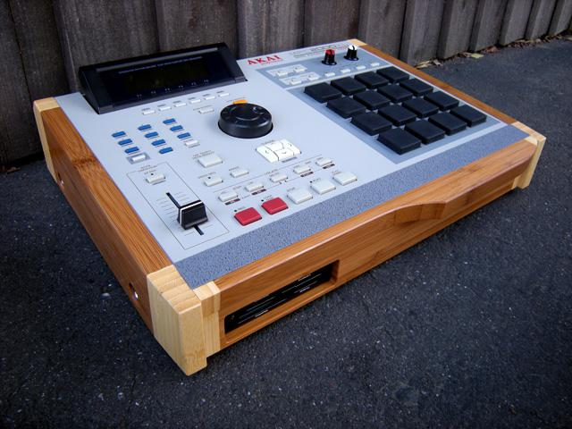 Custom Akai MPC 2000XL Giveaway