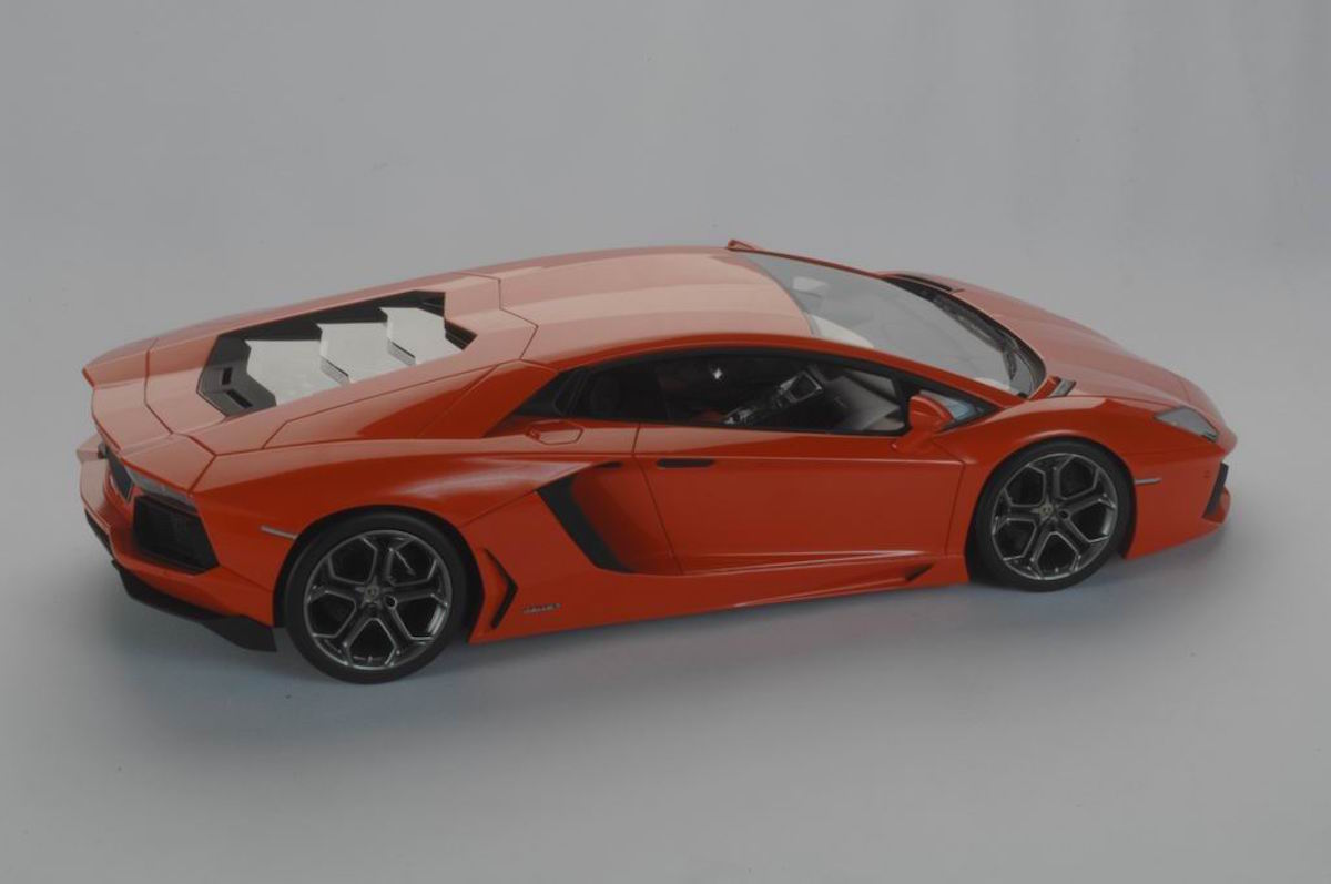 Lamborghini Aventador LP 700-4 1:18 | MR Collection Models