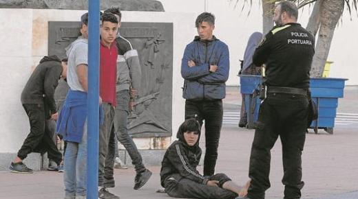 المطالبة بترحيل الأطفال المغاربة القاصرين من طرف حاكم سبتة
