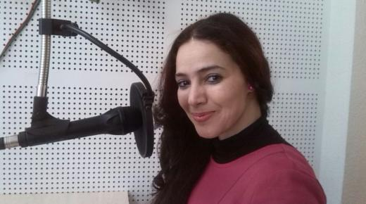 فاطمة أنفلوس.. ناعمة في الشعر، شرسة في الدفاع عن قضايا المرأة والمهاجرين