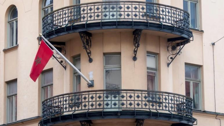 السويد.. سفارة المغرب تهيب بأفراد الجالية المغربية احترام التوجيهات الرامية للحد من انتشار الوباء