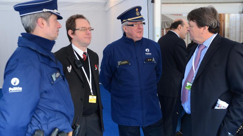 أزمة كورونا.. الشرطة الفيدرالية البلجيكية تحذر من أدوية ولقاحات وهمية معروضة على الإنترنيت