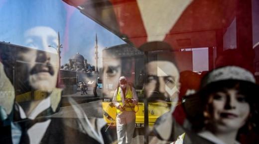 بلا دواء ومأوى .. مغاربة عالقون في تركيا يشتكون تردّي الأوضاع