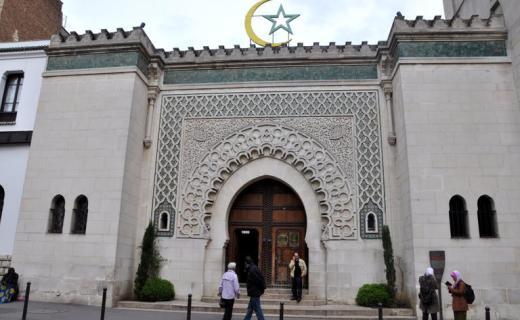 فيروس كورونا.. المجلس الفرنسي للديانة الإسلامية يدعو إلى إغلاق جميع مساجد فرنسا