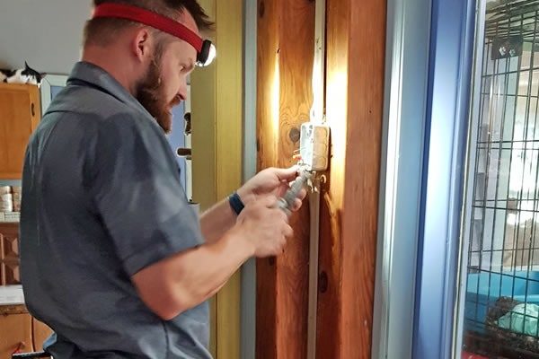 Trusted Local Electricians in North Carolina  Mr