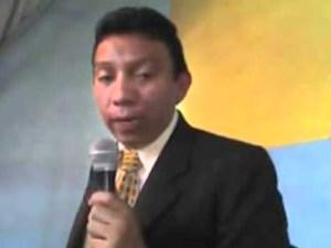 Pastor Julio César Benítez-01