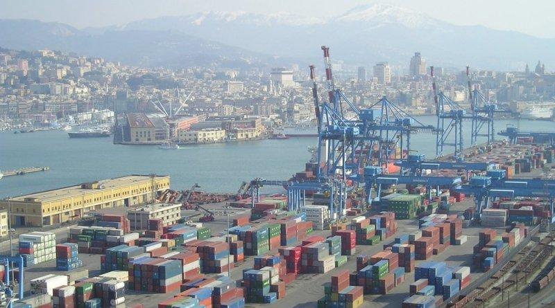 """Panorama di Genova porto commerciale e porto antico - sapevi che... gli scaricatori del porto di Genova si chiamano """"CAMALLI""""? ecco perche!"""