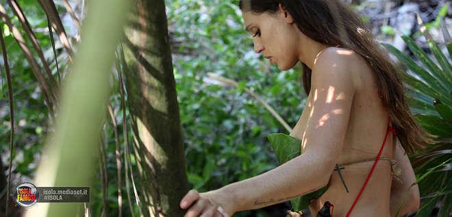 mara92 - Cecilia Rodriguez nuda:L'ira del fidanzato