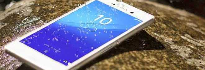 600x300xMortal Kombat X B012.jpg.pagespeed.ic .p6X plDTuQ2 - Lo smartphone che va anche sotto la doccia