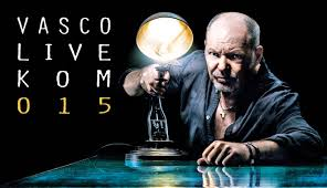 "download - Vasco rossi in Sicilia: canta ""vitti na crozza"""