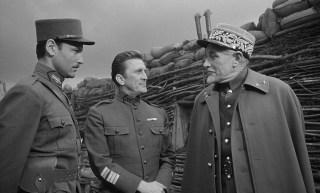 Orizzonti di gloria 1 320x193 - Chi era Kirk Douglas?