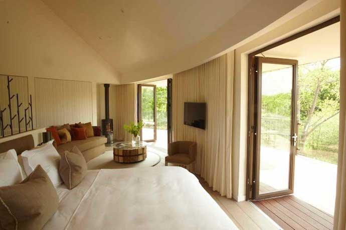 MrFox-Chewton-Glen-Treehouse-Suites