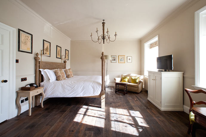 Best Country Hotels for Family Weekends -Pig Bath family hotel