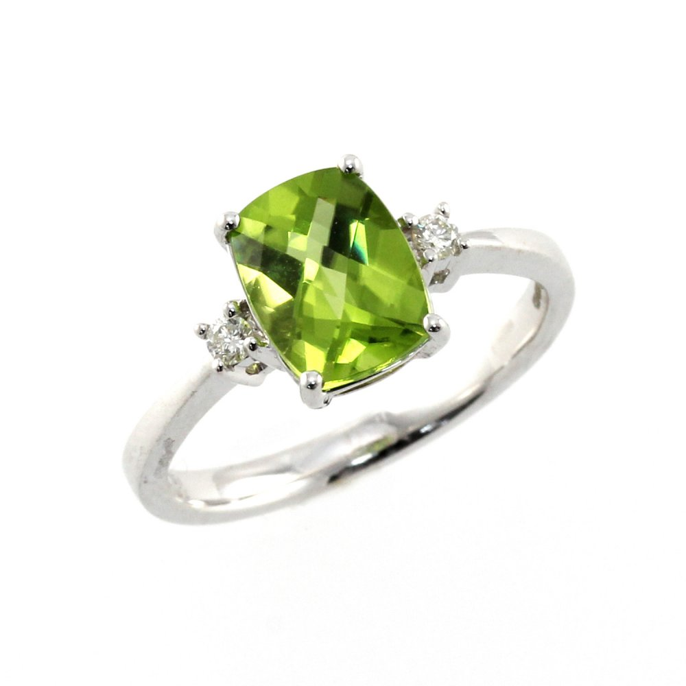 18ct white gold 1.93ct peridot & 0.07ct diamond ring.