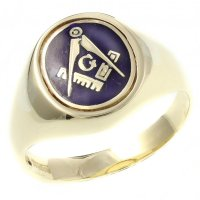 9ct yellow gold oval masonic swivel signet ring.