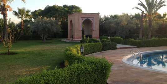 Terrain et villa  a vendre sur la route de TAHNAOUT