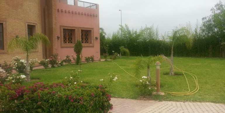 Villa à vendre au quartier agdal Marrakech5