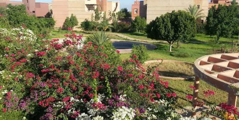 Villa Vide à Vendre sur la route de Fes Marrakech-1