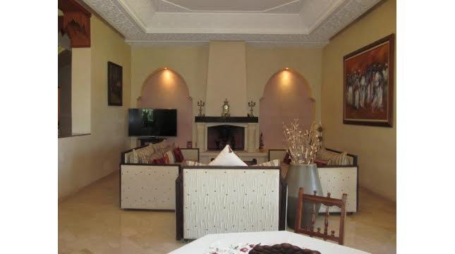 Villa à Vendre à Tameslouht route d'amizmiz-2