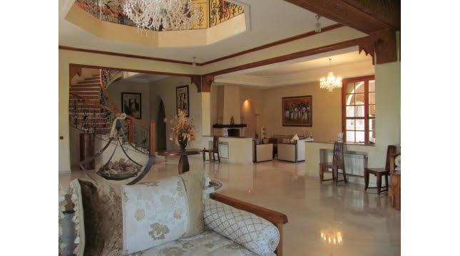 Villa à Vendre à Tameslouht route d'amizmiz-3