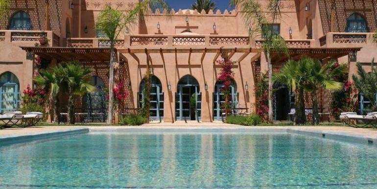 Villa de prestige à vendre au palmeraie marrakech-6