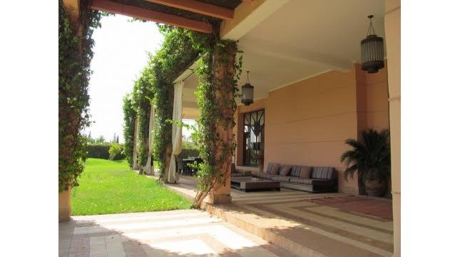 villa à vendre sur domaine amelkis marrakech proche de Golf-9