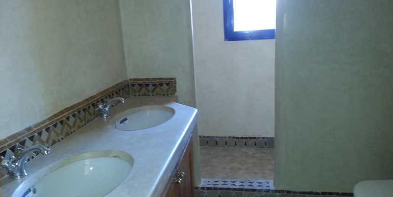 Villa vide sur la route de casa marrakech (6)