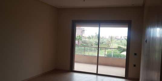 Bel appartement vide sur Avenue Mohammed 6