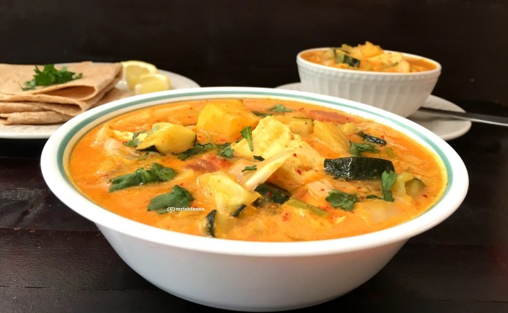 Simple Pineapple Tofu Curry