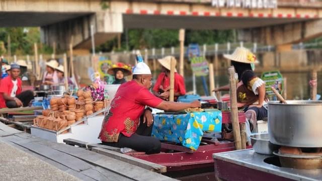 Khlong Hae Floating Market Hatyai Thailand 05