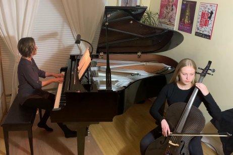 Musicthon 2021 – Teacher Gina Wedel with student Ella