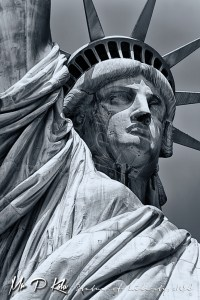 Statue-of-liberty-head-and-shoulders-black-and-white
