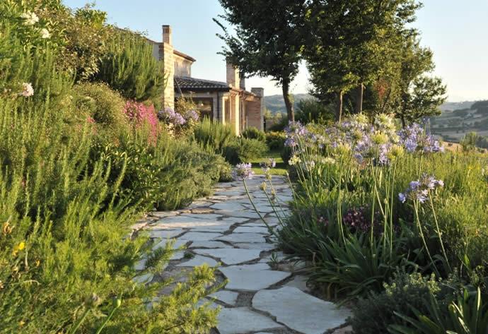 Giardino Mediterraneo consigli per realizzarlo