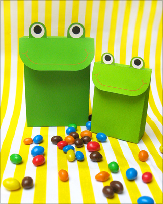 free printable party favors frog bag