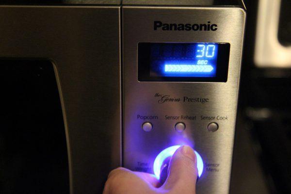microwave display not working reasons