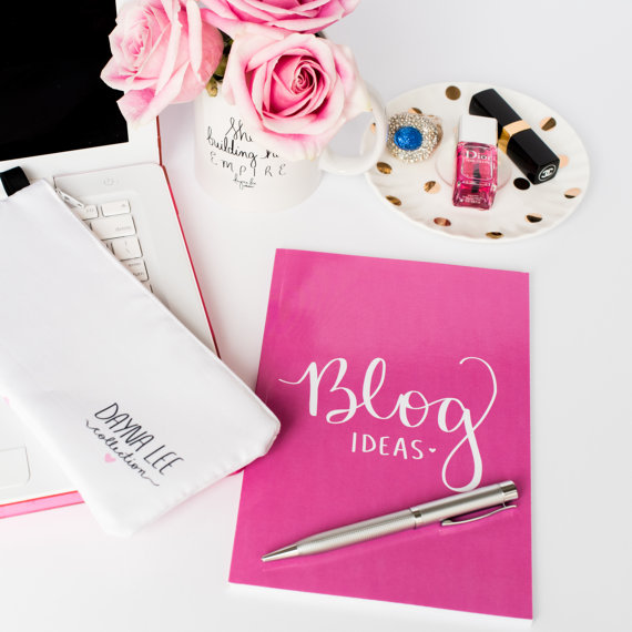 Gift Guide for Bloggers| Blog Ideas Notebook