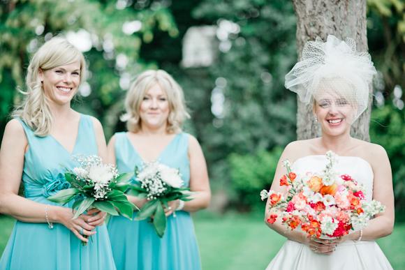 mark pugh photography, bride and bridesmaids, keedy veil, custom veil by dream veils, bridesmaid in Teatro dresses from Very in mint