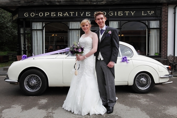 bride and groom, wedding car, avoncroft museum, david perkins wedding photography