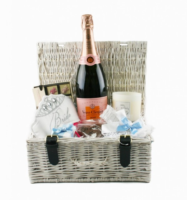 luxury weddding gifts, wedding hampers, luxury hampers, hampers, bridal hampers