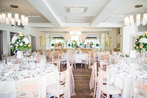 italian-vila, peach-theme, nick rutter photo, table setup